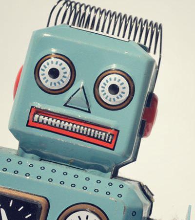Robôs são responsáveis por boa parte do debate político na internet, afirma pesquisa