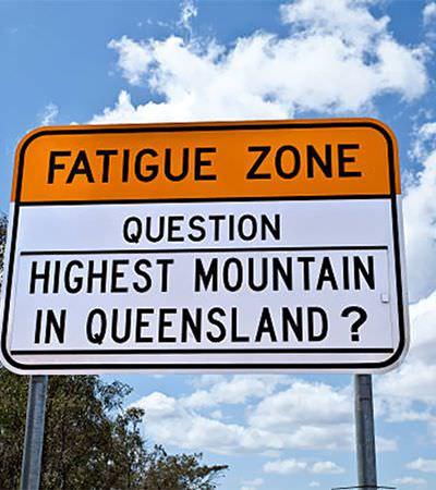 Austrália coloca perguntas de trivia nas estradas retas para entreter motoristas e evitar que eles adormeçam