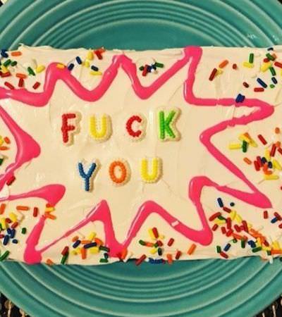 Ela combate comentários amargos na internet com bolos doces e bom humor