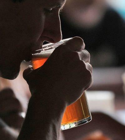 Como saber se você bebe socialmente ou tem alguma tendência ao alcoolismo