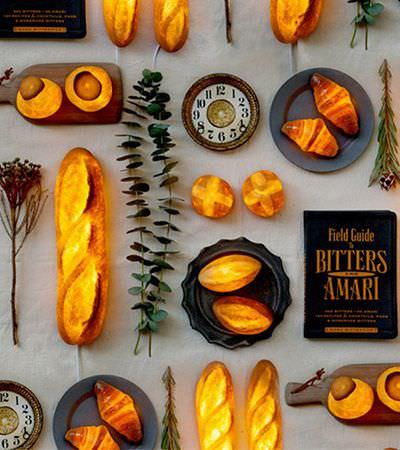 Artista transforma pães reais em incríveis luminárias