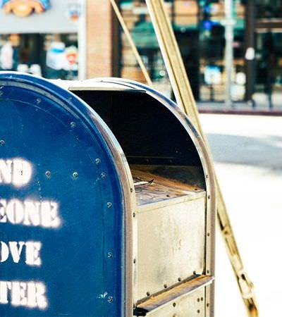 Quem está por trás das respostas às milhares de cartas deixadas no túmulo de Julieta