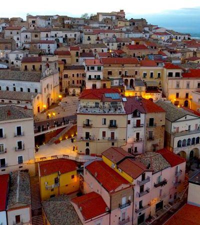 Esta deslumbrante cidade italiana paga R$ 9 mil para você se mudar para lá