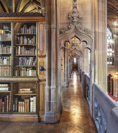 Fotógrafo viaja há anos para registrar as mais belas bibliotecas do mundo