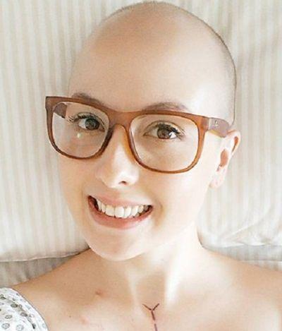 Ela descobriu que estava com câncer de mama graças a um post no Facebook; e agora está curada