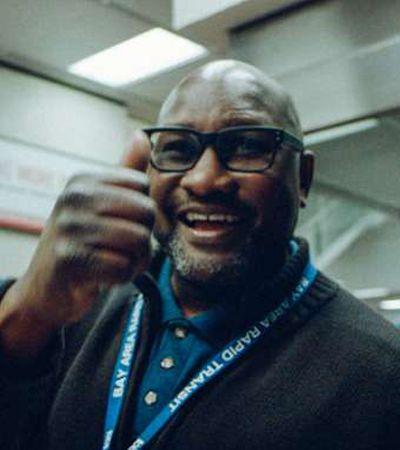 De olá a abraços: Funcionário do metrô nos EUA cumprimenta 4 mil passageiros todos os dias