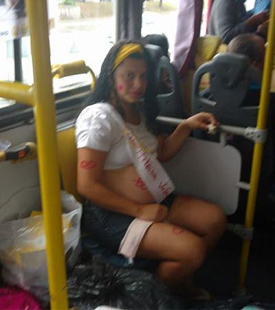 Ambulante ganha chá de bebê surpresa de passageiros de ônibus no RJ