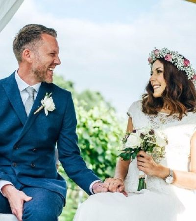 Inglesa descobre câncer, realiza sonho de casar e morre 3 dias depois