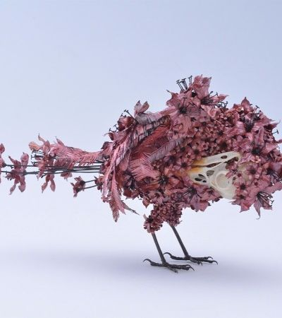Artista japonês usa técnica milenar para criar animais metálicos que florescem
