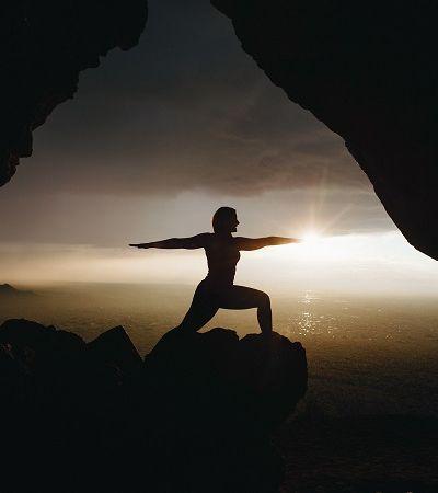Cientistas brasileiros descobrem que yoga protege memória durante envelhecimento