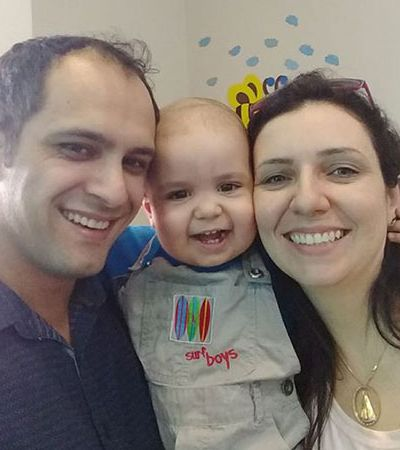 Youtuber usa sua fama para ajudar a financiar o tratamento de garotinho com leucemia
