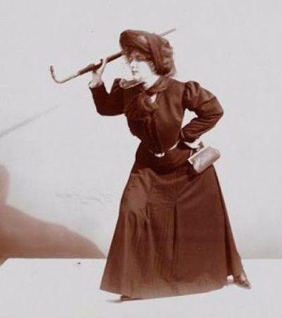Série de fotos retrata técnicas de defesa pessoal feminina em 1906