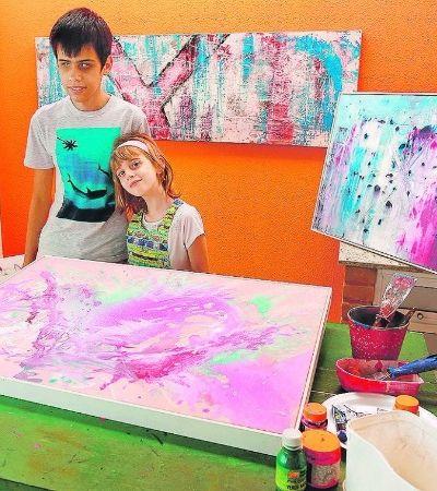 Esta garotinha decidiu vender quadros para pagar o transplante de córnea de um amigo