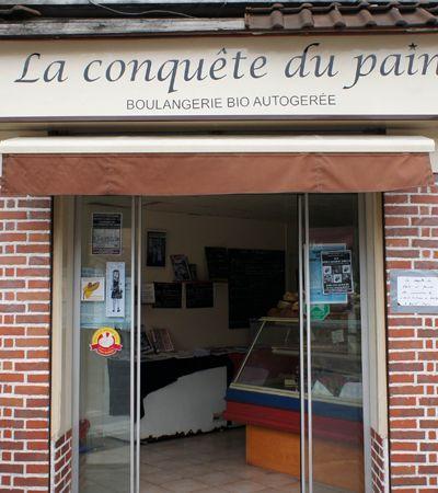 Padaria anarco-comunista de Paris serve café grátis, orgânicos e dá desconto aos mais pobres