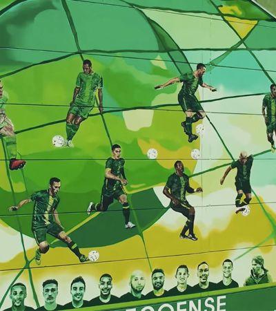 Atletas vítimas de acidente aéreo viram lindo mural em estádio da Chapecoense