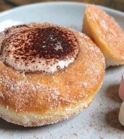 Esta cafeteria resolveu inovar e trocou a xícara do café por um delicioso donut