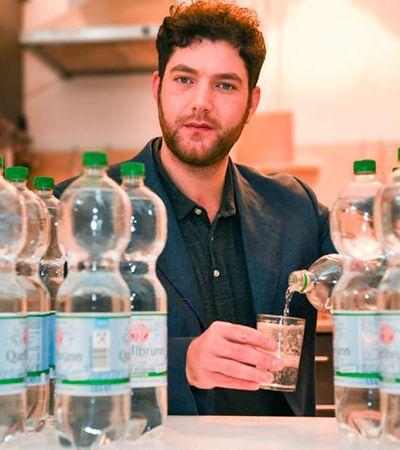 Como é a vida do alemão que precisa ingerir 20 litros de água por dia para permanecer vivo