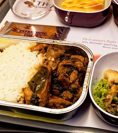 ONG combate desperdício recolhendo comida não consumida em voos