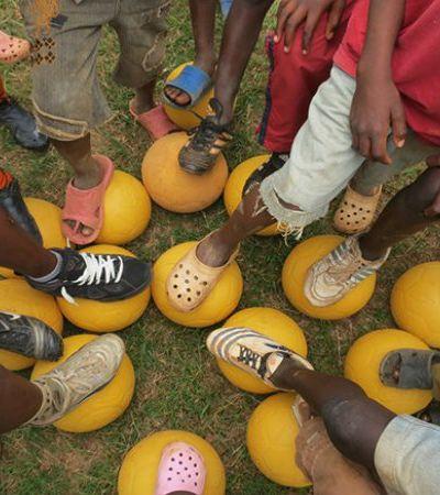 Seleção Hypeness: 10 projetos que usam o poder mobilizador do futebol para mudar o mundo