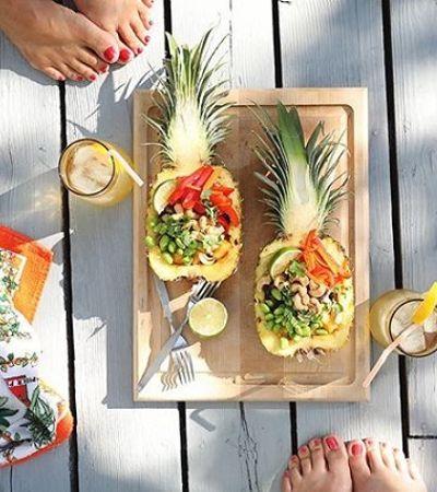 Servir refeições dentro de um abacaxi é ideia original e refrescante para o verão