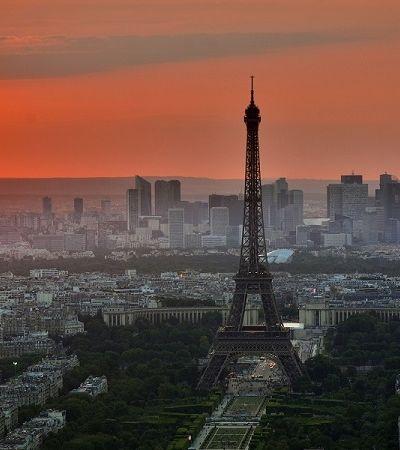 Paris, Barcelona e outras 6 cidades se unem contra Airbnb por 'não aguentarem mais turistas'