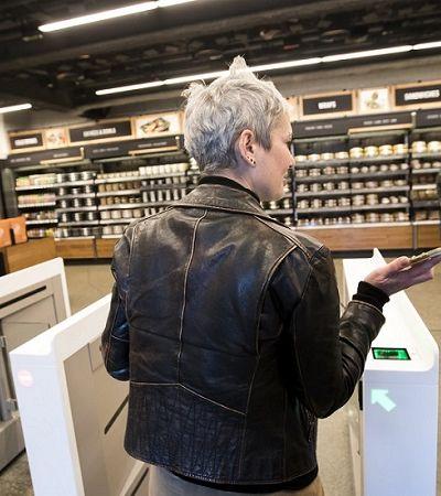 Amazon abre 1ª loja com pagamento via celular e sem caixas nem atendentes
