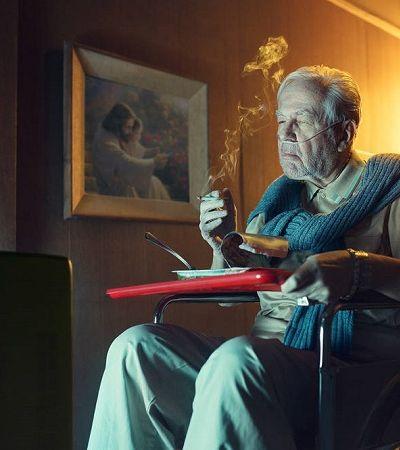 Fotografo problematiza o cigarro em ensaio fotográfico
