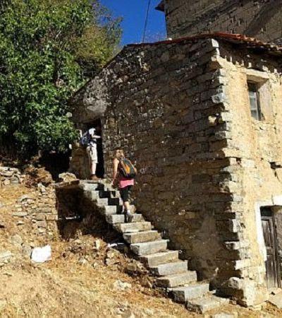 Com medo de virar 'cidade fantasma', vilarejo italiano vende casas por apenas 1 euro