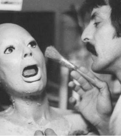 15 fotos de bastidores mais assustadoras que os personagens nas telas