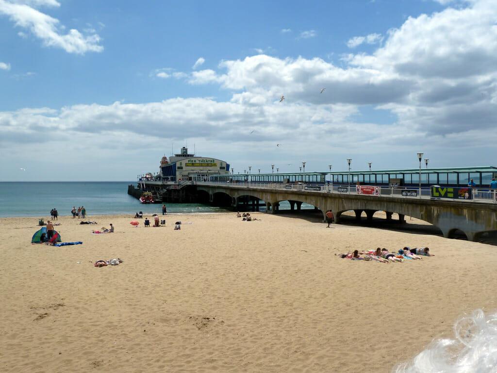 Praia tranquila, extensa e bem familiar