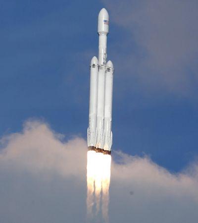 Tudo o que sabemos sobre o lançamento de um carro Tesla para o espaço no foguete mais potente do mundo