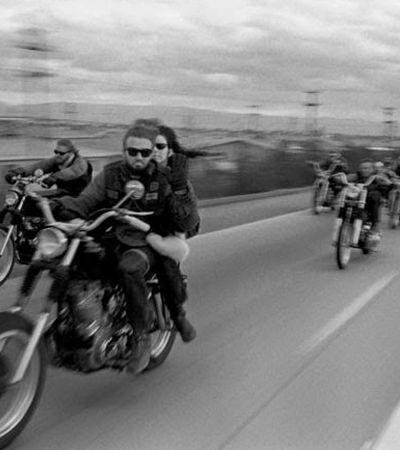 Fotos vintage retratam os Hells Angels, a gangue de motoqueiros mais perigosa da história