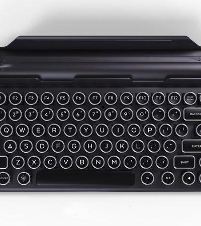 Este teclado de máquina de escrever pode ser acoplado ao seu tablet, tela ou celular