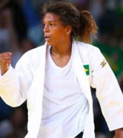 Medalhista olímpica Rafaela Silva é vítima de racismo em abordagem da PM do Rio