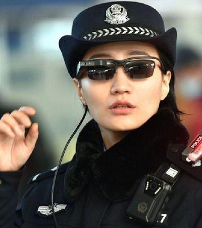 Polícia chinesa usa óculos de reconhecimento facial para escanear perfil de turistas