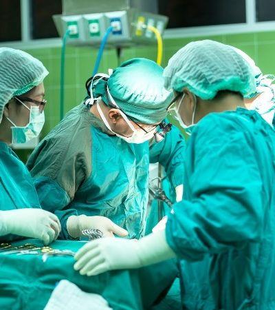 O trabalho deste cirurgião está fazendo de Blumenau a capital da mudança de sexo