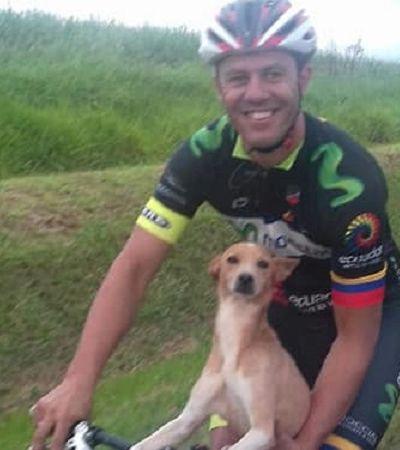 Ciclistas encontram cachorro abandonado em rodovia e resolvem levá-lo para casa
