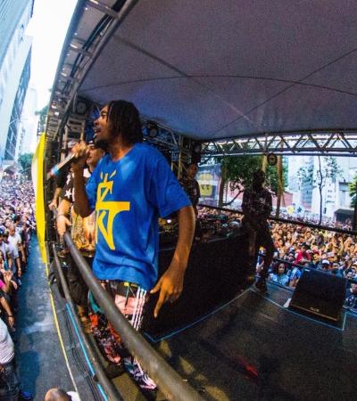 Rap, punk, pop… Blocos que arrastam multidões em SP e passam longe das marchinhas