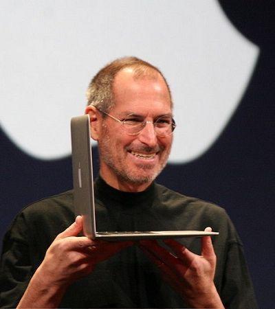 Formulário de emprego de Steve Jobs avaliado em 165 mil revela seus interesses na época