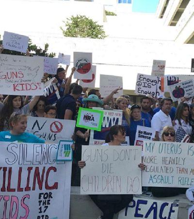 Sobreviventes de massacre em escola da Flórida farão marcha por mudanças nas leis de armamento