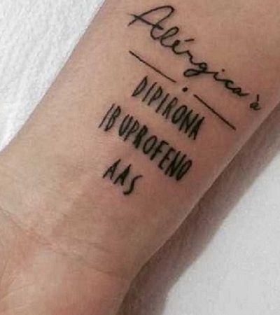 Tatuagens fazem alerta sobre restrições de pessoas para caso de atendimento emergencial