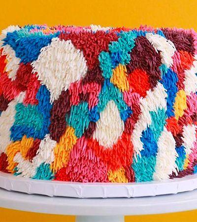 Esta confeiteira cria bolos coloridos tão fofos que parecem de pelúcia