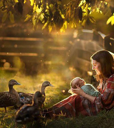 Fotógrafa dedica-se a clicar mães e suas crias e o resultado é apenas mágico