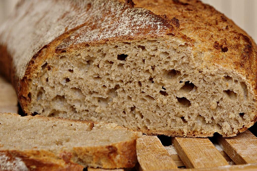 Os carboidratos podem ser encontrados em pães, massas, doces, biscoitos, arroz, entre outros
