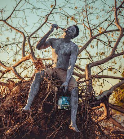Série fotográfica impactante problematiza tratamentos de clareamento da pele negra