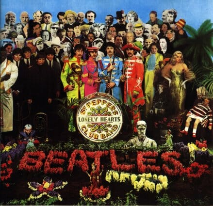 Álbum: Sgt. Pepper's Lonely Hearts Club Band (1967) Designer: Sir Peter Blake