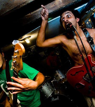 Conheça o Kominas, a banda que une islamismo e punk rock