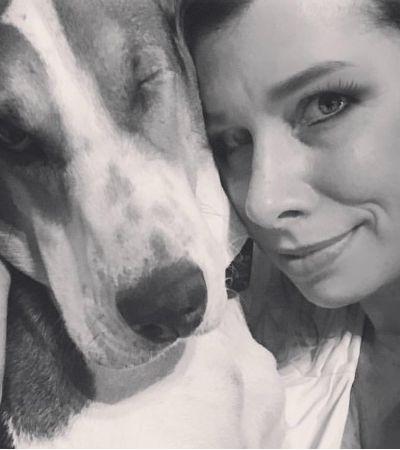 Cachorra resgatada 'fareja' câncer em nariz de tutora: 'Ela sente quando estou mal'