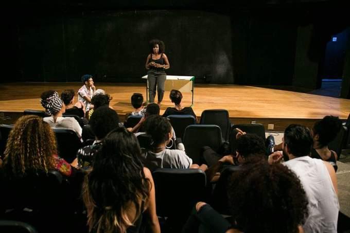 A UniPIM oferece cursos gratuitos em moda na comunidade de Paraisópolis