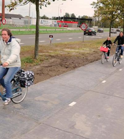 Holanda ganha primeira ciclovia solar do mundo que gera energia para a cidade